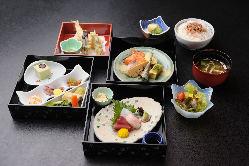 """""""お昼の料理"""" 1,650円(税込)~全2種の昼膳をご用意"""
