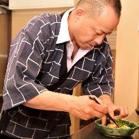 市場で買い付けた鮮魚や三河野菜を使った四季折々の一皿をご用意