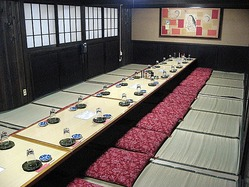 各種ご宴会にも最適な寛ぎのお座敷をご用意。