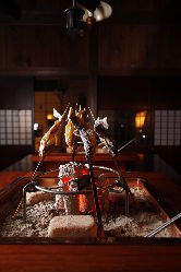 """離れ""""楽味庵""""で囲炉裏料理を食すとても贅沢な【囲炉裏コース】"""