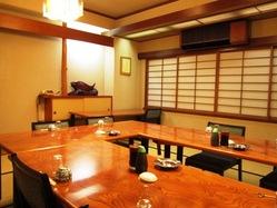 2階には宴会・接待・法事などにも最適な個室をご用意