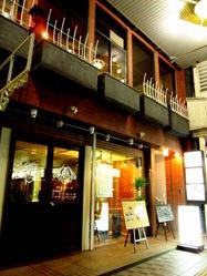 1階は醸造所・2階にお店があります★