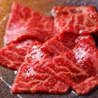 地元愛知が誇る『段戸山高原牛』は口の中で旨みが広がります。