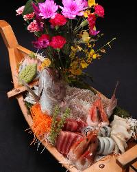 駿河湾の新鮮な海の幸をふんだんに使用した料理を堪能できる!