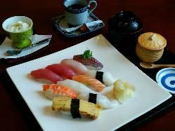 職人が握る寿司メニューはボリューム◎ 驚きのコスパです!