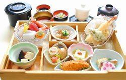 昼限定「昼遊膳」1,500円(税込) 人気のランチメニューです。