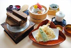 季節限定ランチメニュー「ふぐの釜飯膳」 1,780円(税込)
