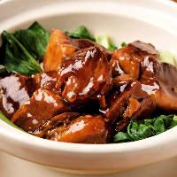 土鍋で作る角煮は豚バラ肉のとろける美味さとタレが絶妙な逸品!