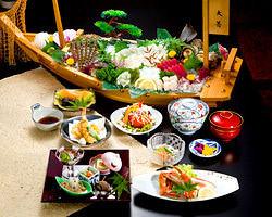 舟盛は接待にも◎こちらの料理は活魚会席5000円の一例です。