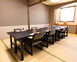 全ての個室は、テーブル椅子タイプでのご用意可能です!