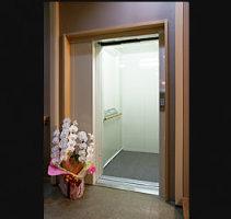 エレベーター完備◎ご年配の方を招いてのご宴会も安心!