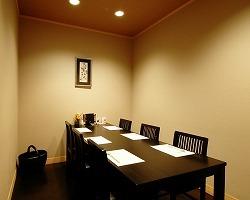 ■6名様テーブル個室 ・接待・女子会などに
