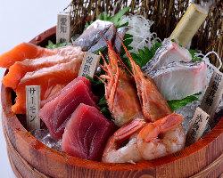自慢の海鮮串が付いた宴会コースは大人気★