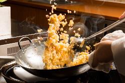 和食・洋食・中国料理など、豊富なメニューをお出しします。