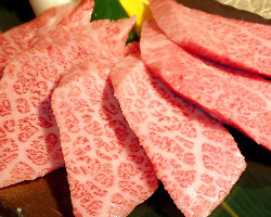 肉屋直営なので、味、価格、素材の全てにこだわっています。