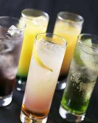 飲み放題カクテルは夏に人気のジン・マリブ・カシスがおすすめ!