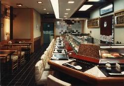カウンター 22席 テーブル席4名様が2箇所あります