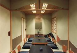 1階小部屋【桜】8名様【桃】10名様 桃と桜で18名様迄
