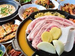 分厚いサムギョプサルと野菜とキムチと巻いて幸せな美味しい~