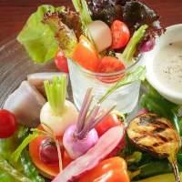 野菜は完全農薬不使用こだわり野菜を契約農家さんより仕入れ!
