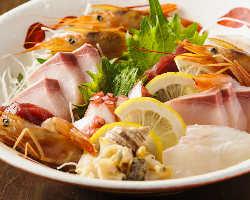 新鮮な魚介ばかりを盛り付けた刺身盛合せ!人数に合わせてご提供