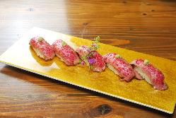 飛騨牛を職人がご提供する飛騨牛炙り寿司