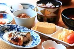 限定20食!日替わり松花堂弁当などお昼のメニューも充実の内容