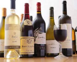 店長厳選のワインが50種以上!どんな料理にも良く合います。