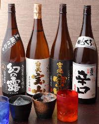 生ビールや焼酎など、厳選した豊富なドリンクを取り揃えています