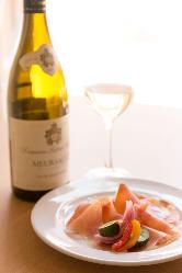 フランス産を中心に気軽に楽しめるワインを揃えております♪