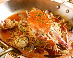 一番人気の渡り蟹のブイヤベース仕立て!