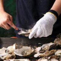 名物の牡蠣の蒸し焼き!目の前の鉄板で自分で焼くスタイルです