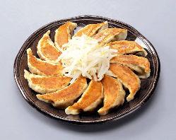 名物★浜松餃子! おやつやお食事、お酒のおともに!