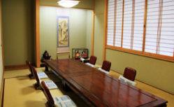 和室のお席やテーブル席など、大型宴会が可能なお席もご用意