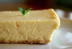 タルトやチーズケーキなど自家製スイーツは夜カフェにどうぞ!