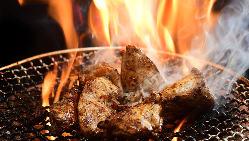 北海道直送!肉の旨味溢れる中札内田舎どりの豪快焼き