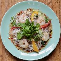 タイ風春雨サラダ!具沢山だけどさっぱりいけます!パクチー!