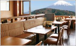 富士山と富士川のロケーションもごちそうのひとつです