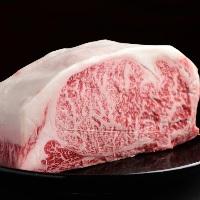 【飛騨牛】 とろけるような旨みのお肉を焼肉でご堪能ください