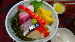 ボリューム満点。新鮮・海鮮丼