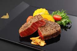新鮮な魚介類と伊勢の食材を使用し丁寧に調理いたします。