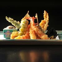 お寿司や鉄板など、贅沢に味わえる絶品料理をご用意。