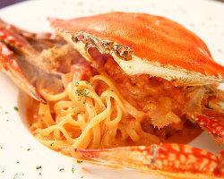 絶品!渡り蟹のトマトクリームパスタ