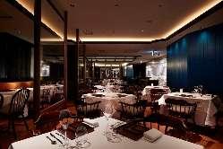 老舗ホテルの親しみと信州の自然美が溶け合う新レストラン空間