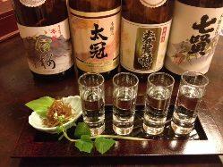 日本各地の美味しいお酒を取りそろえております。