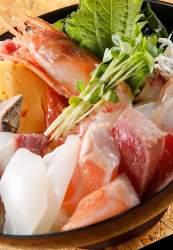 ランチNo. 1メニュー豪華な「海鮮丼」もお得な価格でご提供!
