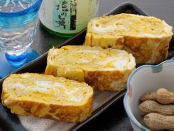お出汁の味が美味しい「だし巻き玉子」400円(税抜)。