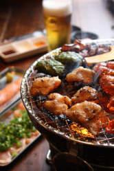 こだわりの鶏、豚、ほるもんを七輪焼きでお楽しみくださいませ。