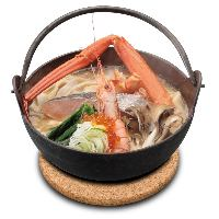 厳選した海鮮の濃厚な旨味とコクが特徴の新定番のほうとう。