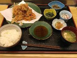 おススメ!桜えびのかき揚定食。1,380円